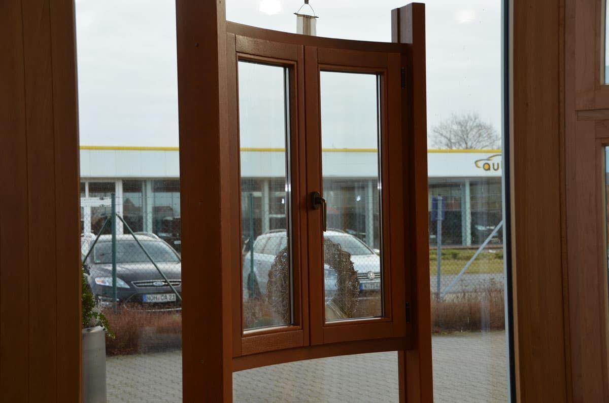 Немецкое радиусное окно