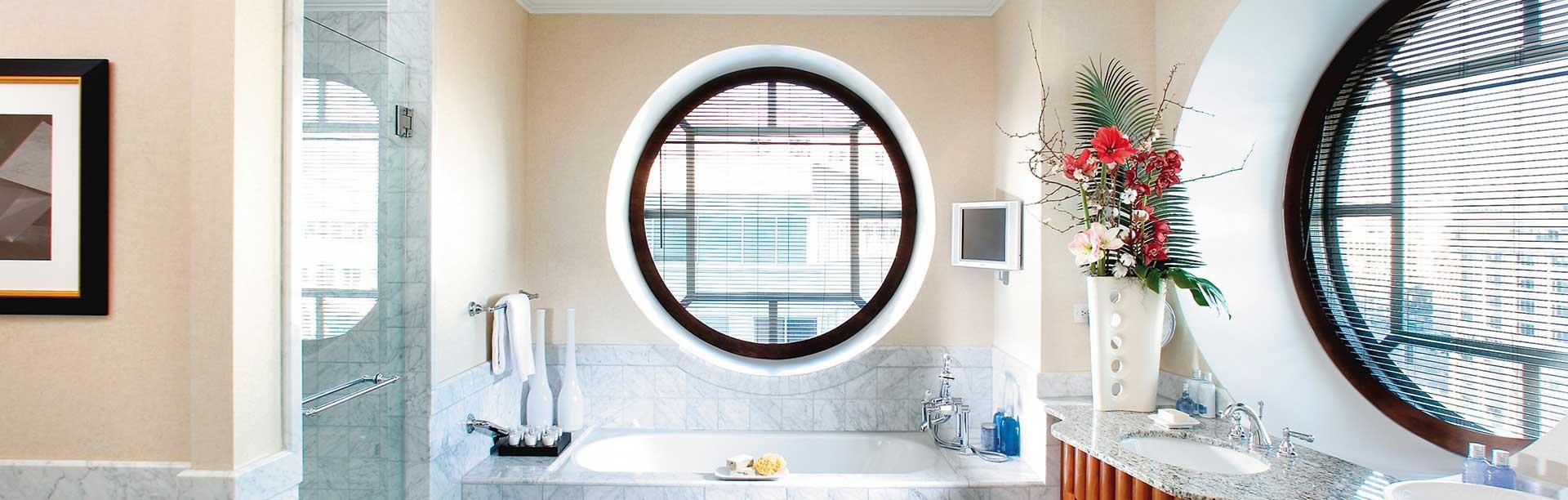 круглые деревянные окна