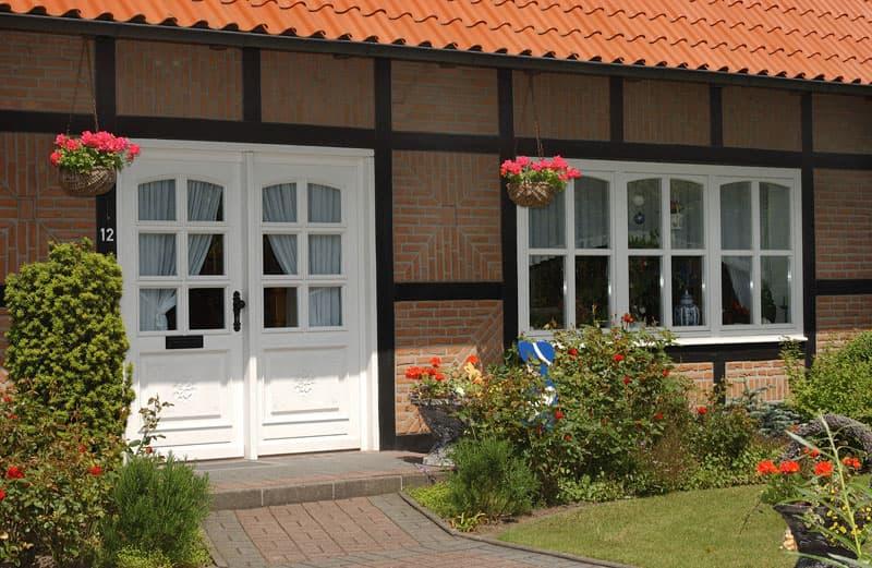 рамные деревянные двери