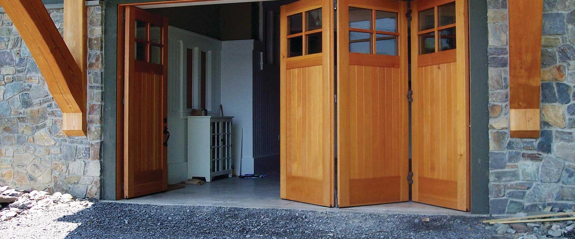 Щитовые деревянные двери