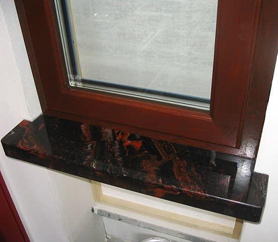 Какие подоконники выбрать для деревянных окон