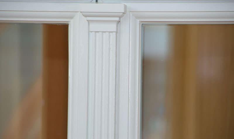 Немецкие окна с капителями