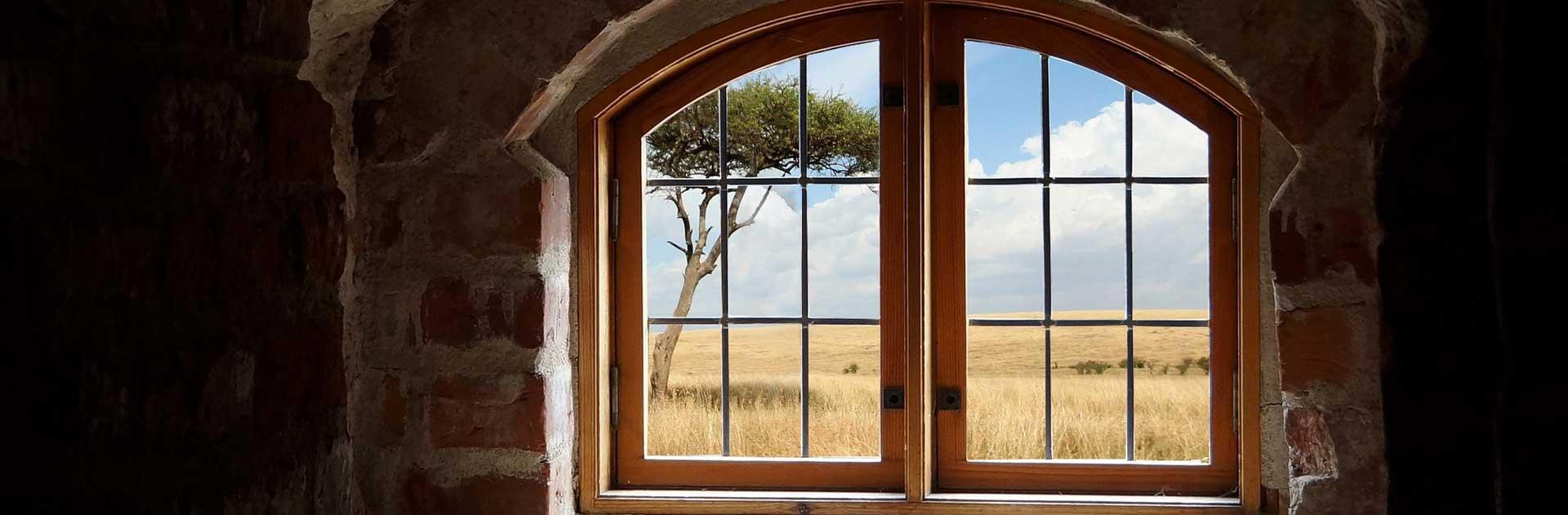 Обсада деревянного окна