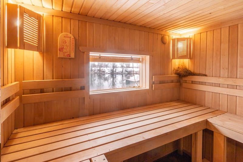 Деревянные окна в баню, в парилку