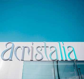 Acristalia – испанская компания, один из ведущих производителей на рынке безрамного остекления
