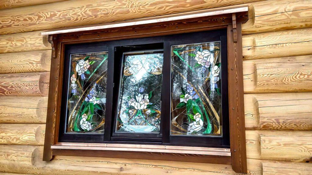 Остекление беседки окнами из лиственницы