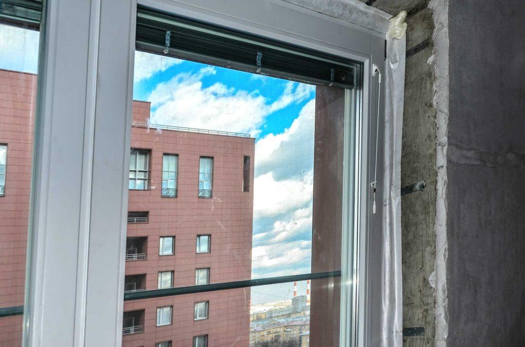 Установлены окна из лиственницы с алюминиевым окладом