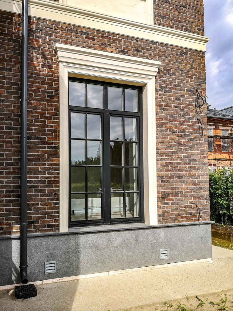 окна из дуба с профилированным штапиком