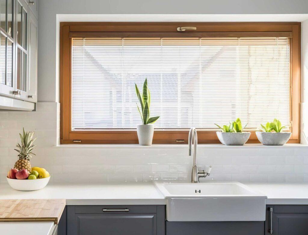 откидное окно на кухне