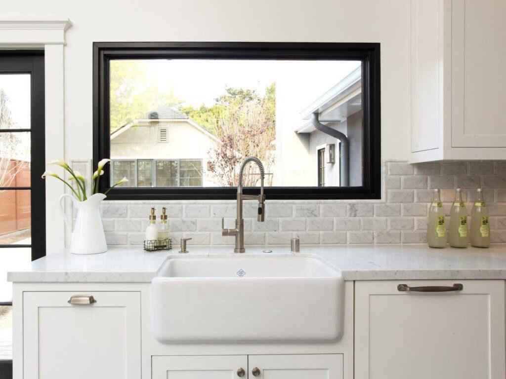 открывные окна на кухне