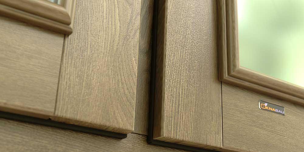 деревянное окно с историческим штапиком